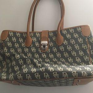 ☀️ Dooney and Bourke Handbag